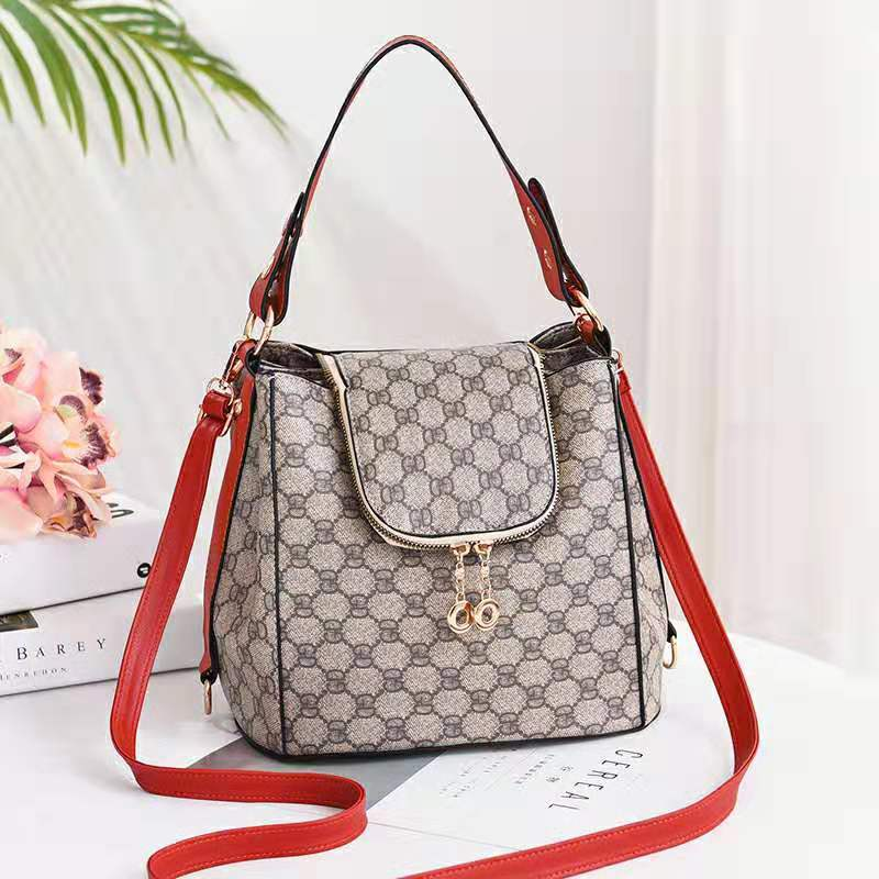 JT0906 IDR.198.000 MATERIAL PU SIZE L26XH21XW19CM WEIGHT 900GR COLOR STARBLACK