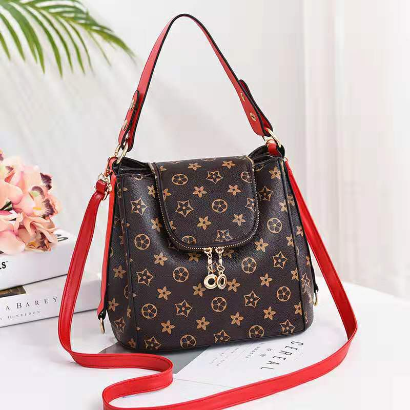 JT0906 IDR.198.000 MATERIAL PU SIZE L26XH21XW19CM WEIGHT 900GR COLOR STARRED
