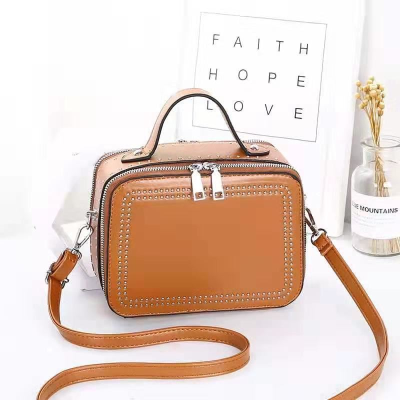 JT0926 IDR.155.000 MATERIAL PU SIZE L21XH15.5XW10CM WEIGHT 650GR COLOR BROWN