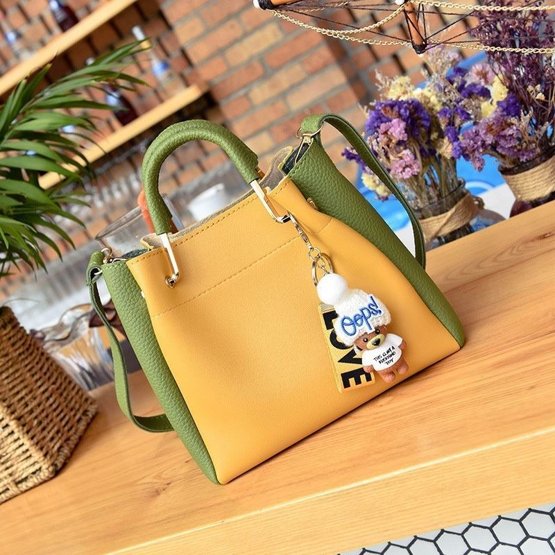 JT096 IDR.179.000 MATERIAL PU SIZE L20XH19XW8CM WEIGHT 650GR (2IN1) COLOR YELLOWGREEN