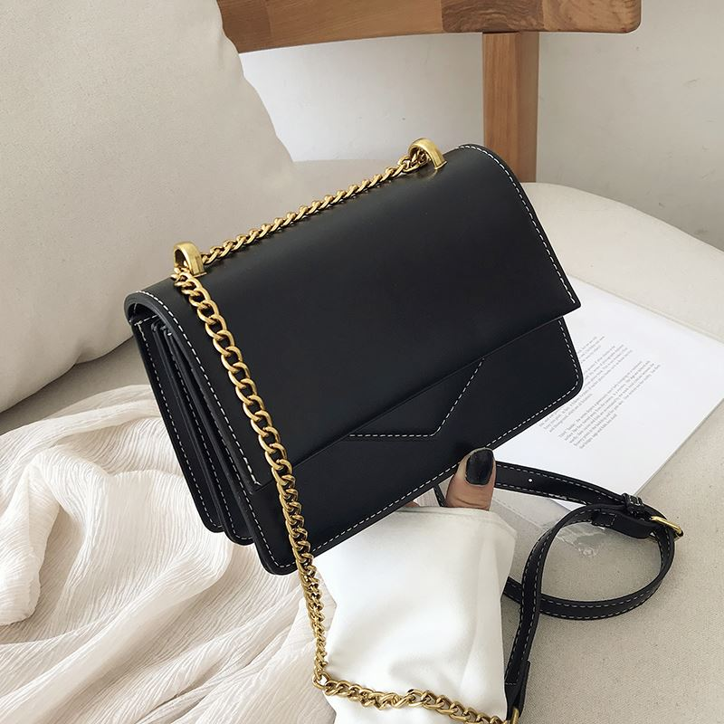 JT10024 IDR.162.000 MATERIAL PU SIZE L20XH14XW7CM WEIGHT 600GR COLOR BLACK