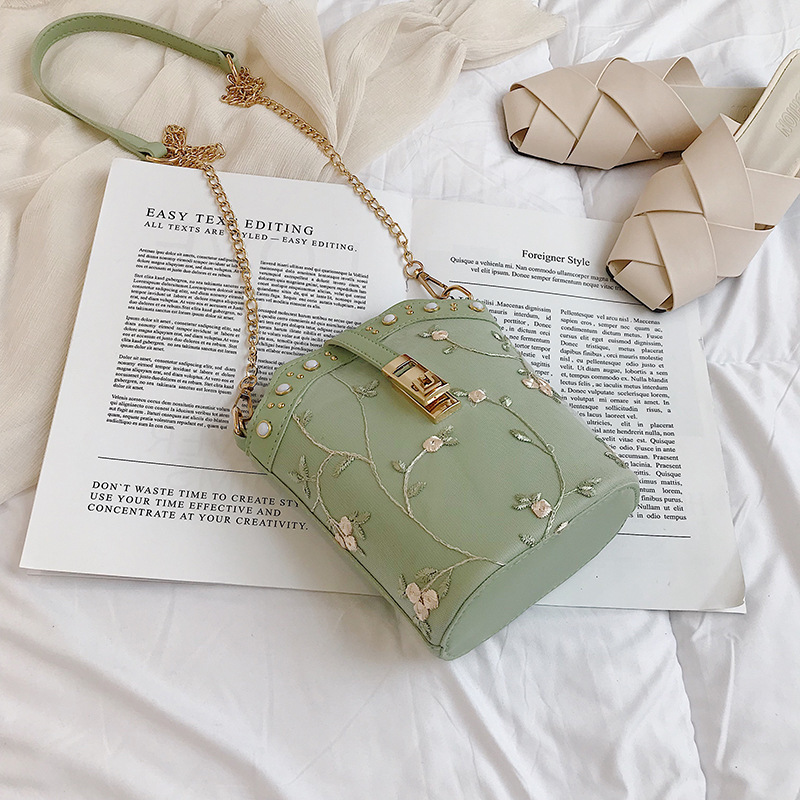 JT1007 IDR.125.000 MATERIAL PU SIZE L18XH20XW9.5CM WEIGHT 400GR COLOR GREEN
