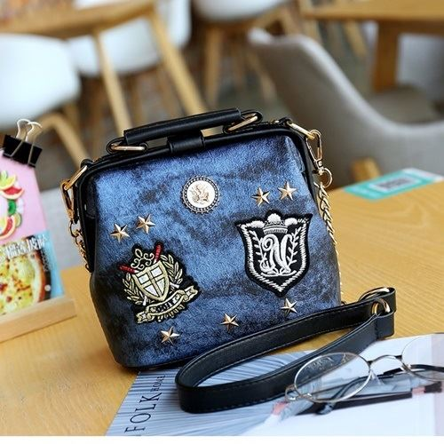 JT1012 IDR.155.000 MATERIAL PU SIZE L18XH16XW10CM WEIGHT 600GR COLOR BLUE