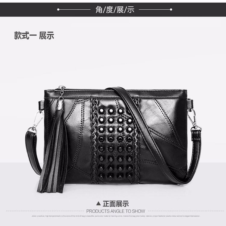 JT1100 IDR.137.000 MATERIAL PU SIZE L24XH16XW4CM WEIGHT 350GR COLOR A