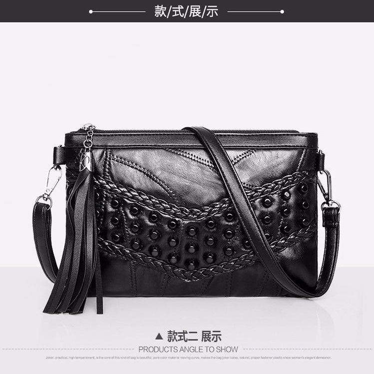 JT1100 IDR.137.000 MATERIAL PU SIZE L24XH16XW4CM WEIGHT 350GR COLOR B