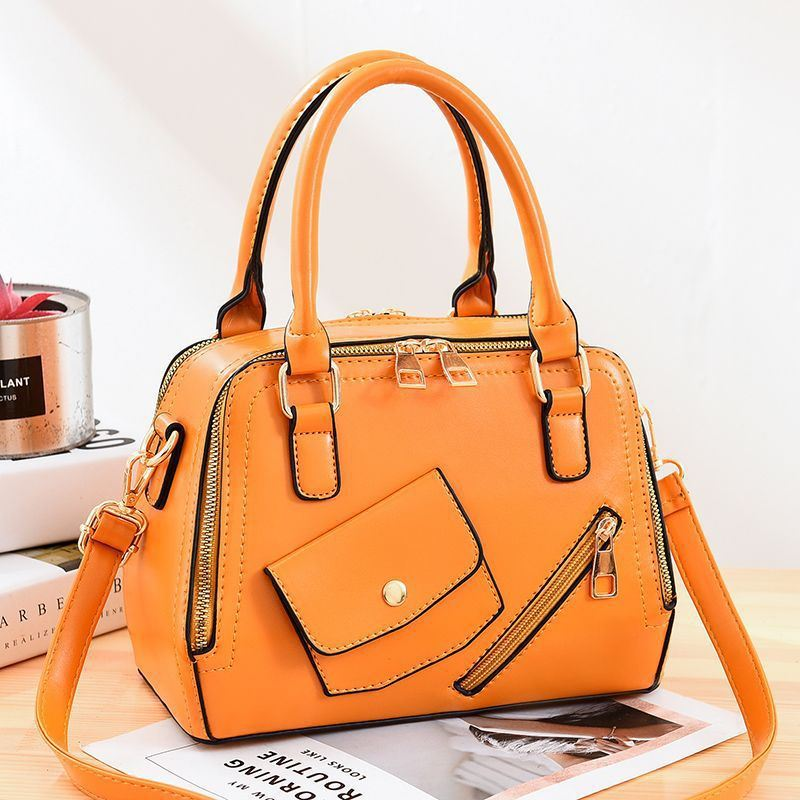 JT11117 IDR.185.000 MATERIAL PU SIZE L25XH18XW12CM WEIGHT 800GR COLOR YELLOW