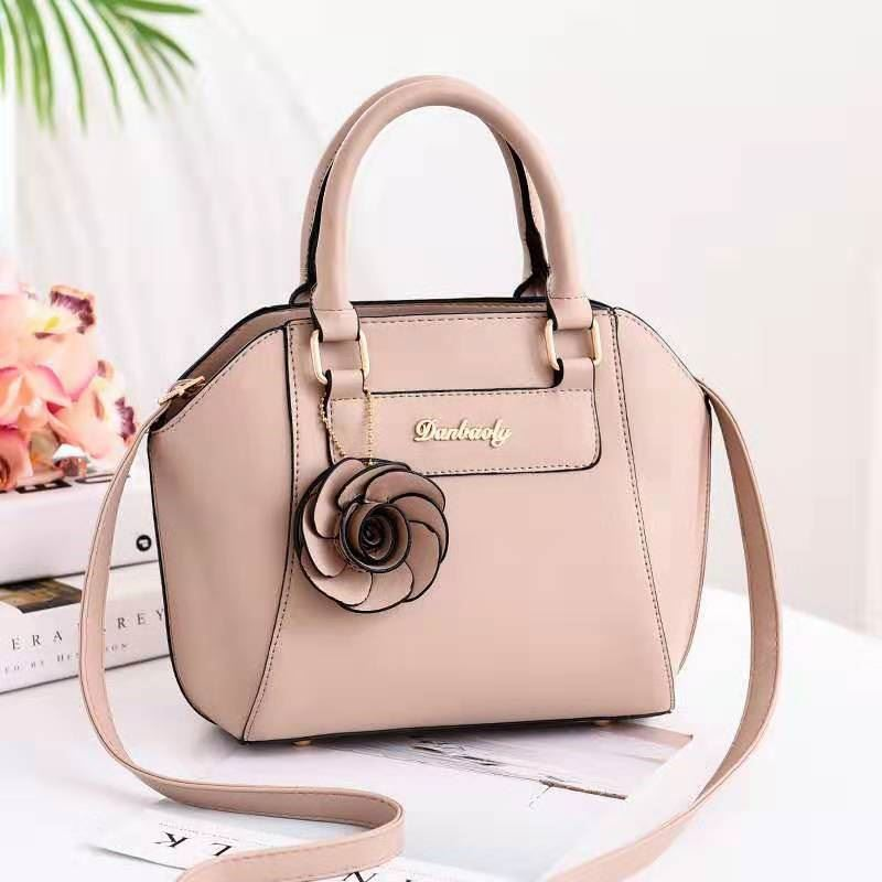 JT1128 IDR.162.000 MATERIAL PU SIZE L22XH21XW14CM WEIGHT 700GR COLOR KHAKI