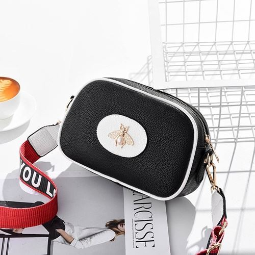 JT116 IDR.115.000 MATERIAL PU SIZE L23XH17.5XH7.5CM WEIGHT 500GR COLOR BLACK