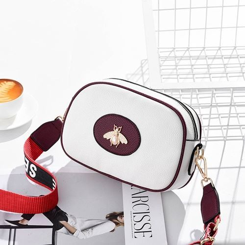 JT116 IDR.115.000 MATERIAL PU SIZE L23XH17.5XH7.5CM WEIGHT 500GR COLOR WHITE