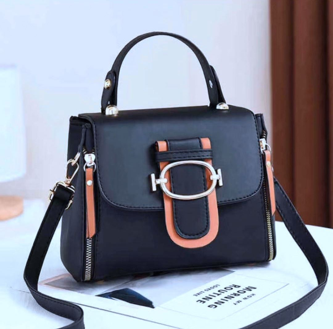 JT12023 IDR.179.000 MATERIAL PU SIZE L22XH17XW12CM WEIGHT 550GR COLOR BLACK