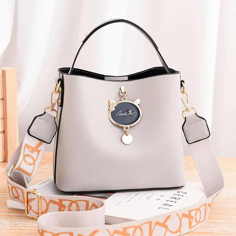 JT12111 IDR.171.000 MATERIAL PU SIZE L23XH19XW11CM WEIGHT 550GR COLOR GRAY