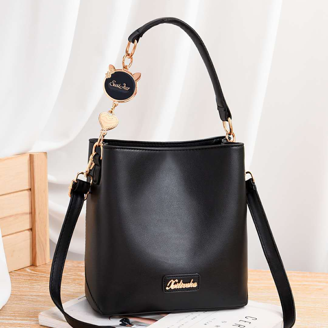 JT1212 IDR.193.000 MATERIAL PU SIZE L21XH22XW12CM WEIGHT 600GR COLOR BLACK