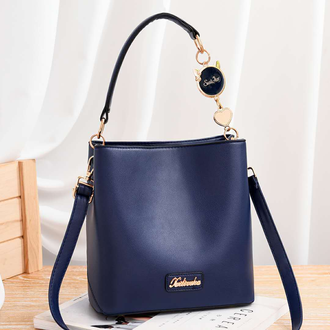 JT1212 IDR.193.000 MATERIAL PU SIZE L21XH22XW12CM WEIGHT 600GR COLOR BLUE