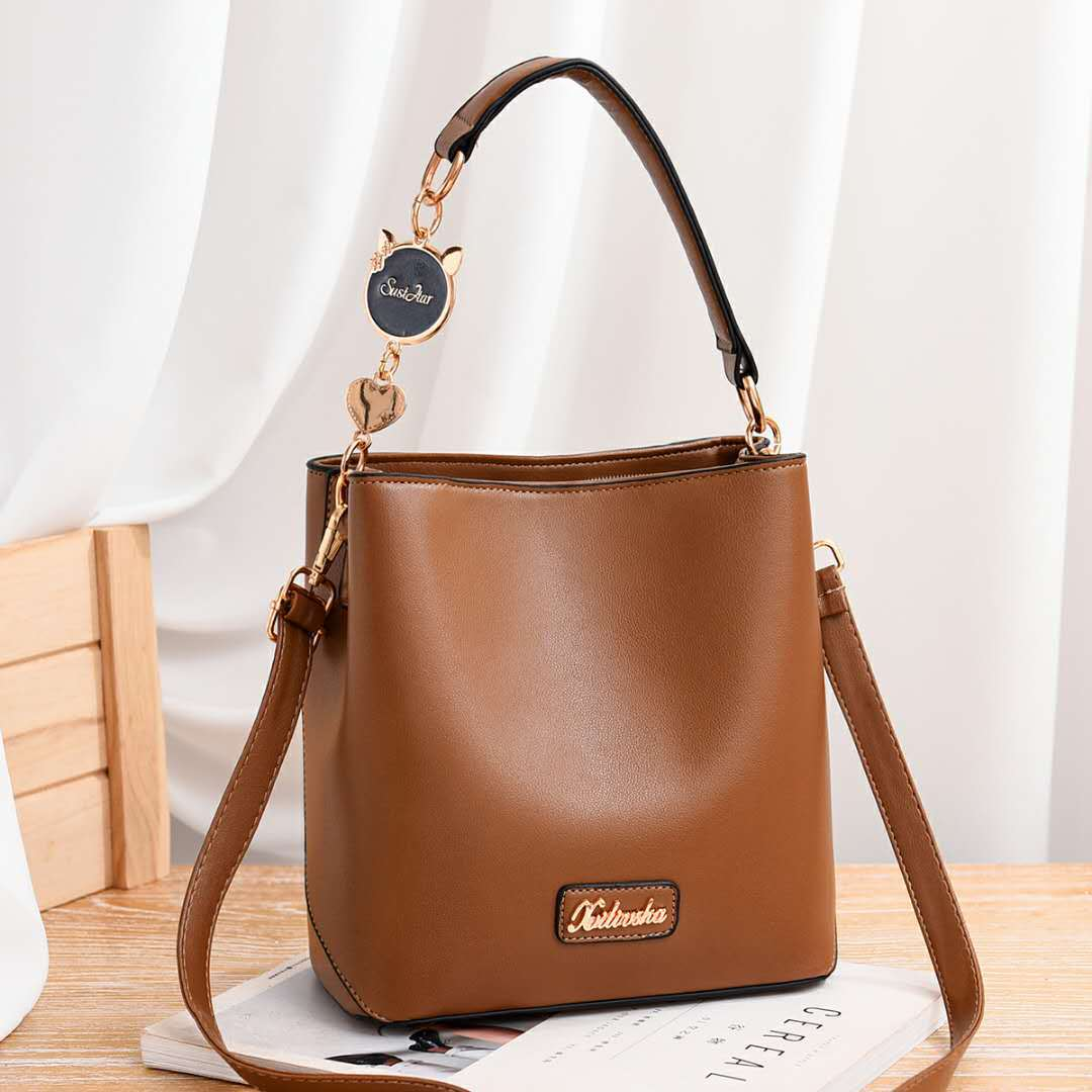 JT1212 IDR.193.000 MATERIAL PU SIZE L21XH22XW12CM WEIGHT 600GR COLOR BROWN