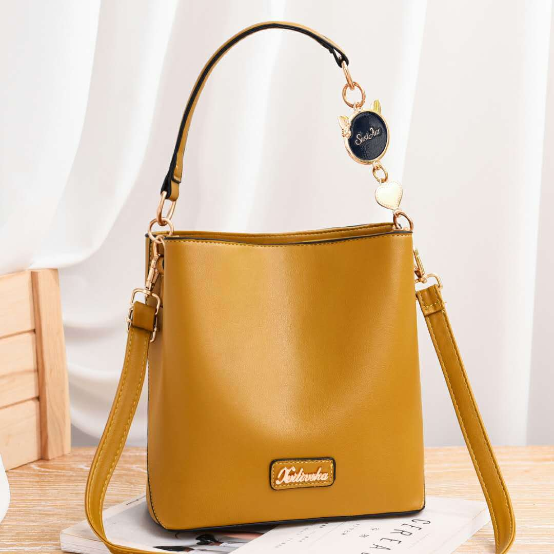 JT1212 IDR.193.000 MATERIAL PU SIZE L21XH22XW12CM WEIGHT 600GR COLOR YELLOW