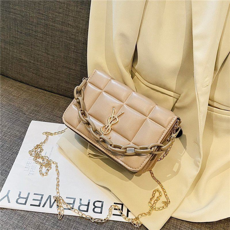 JT12120 IDR.145.000 MATERIAL PU SIZE L20XH13XW10CM WEIGHT 400GR COLOR KHAKI