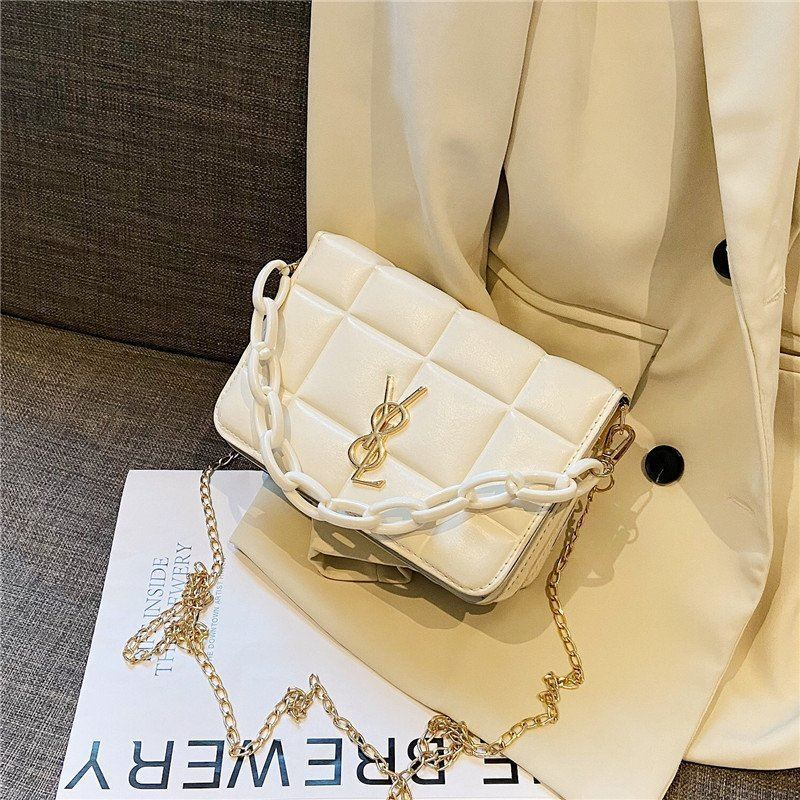 JT12120 IDR.145.000 MATERIAL PU SIZE L20XH13XW10CM WEIGHT 400GR COLOR WHITE