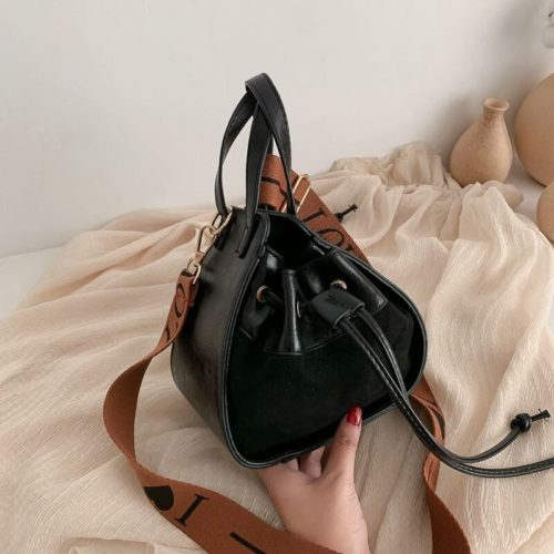 JT12145-black Tas Pingo Selempang Wanita Cantik Elegan