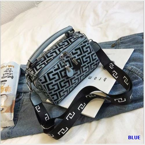 JT12148 IDR.169.000 MATERIAL PU SIZE L20XH13XW9CM WEIGHT 400GR COLOR BLUE