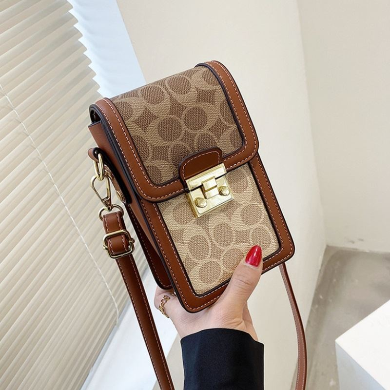 JT12320 IDR.165.000 MATERIAL PU SIZE L19XH14XW7CM WEIGHT 350GR COLOR BROWN