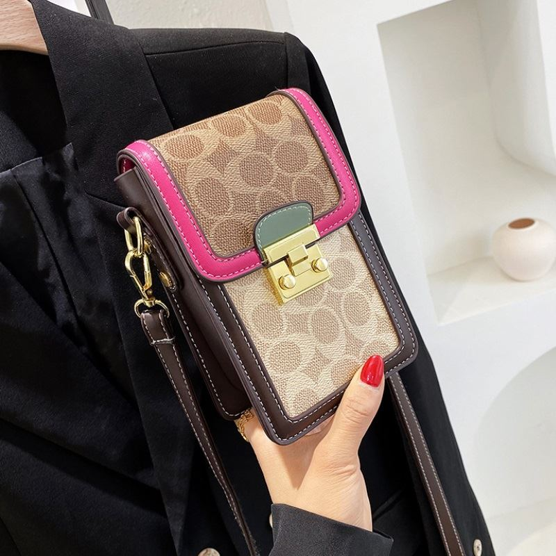 JT12320 IDR.165.000 MATERIAL PU SIZE L19XH14XW7CM WEIGHT 350GR COLOR RED