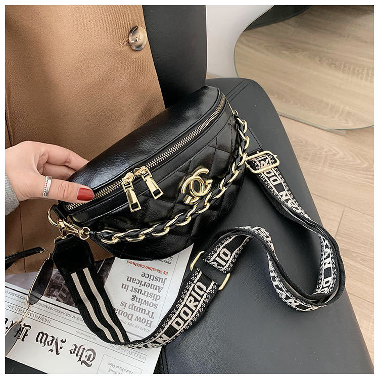 JT12343 IDR.169.000 MATERIAL PU SIZE L22.5XH15XW9CM WEIGHT 350GR COLOR CC