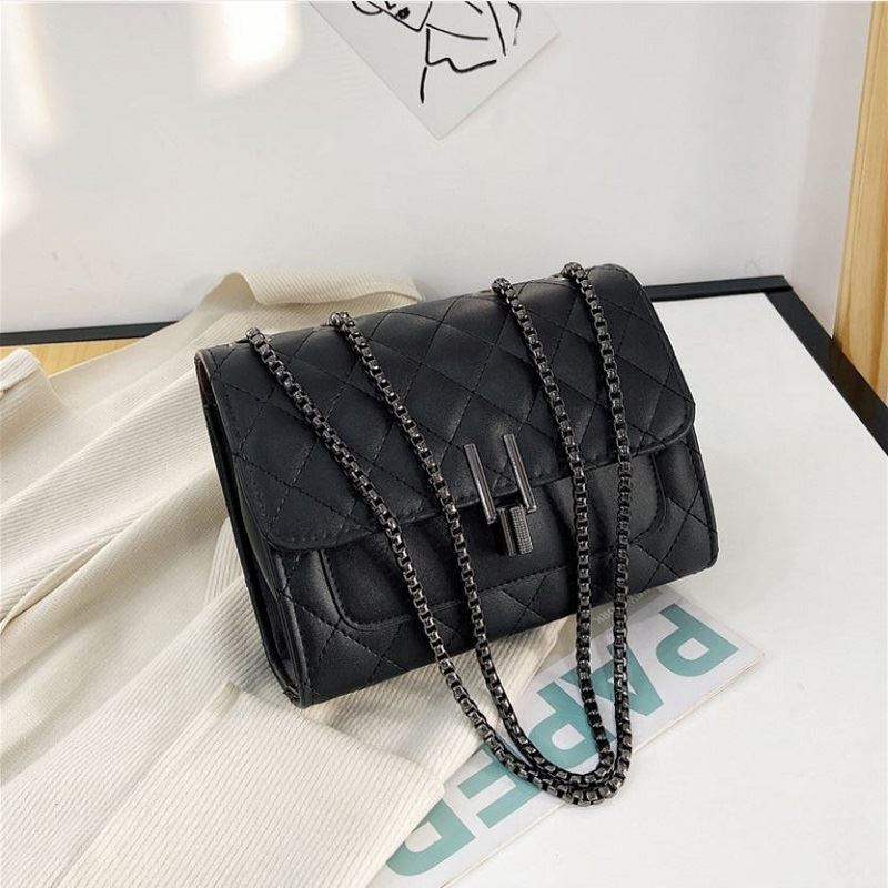 JT12506 IDR.144.000 MATERIAL PU SIZE L20XH15XW6CM WEIGHT 350GR COLOR BLACK