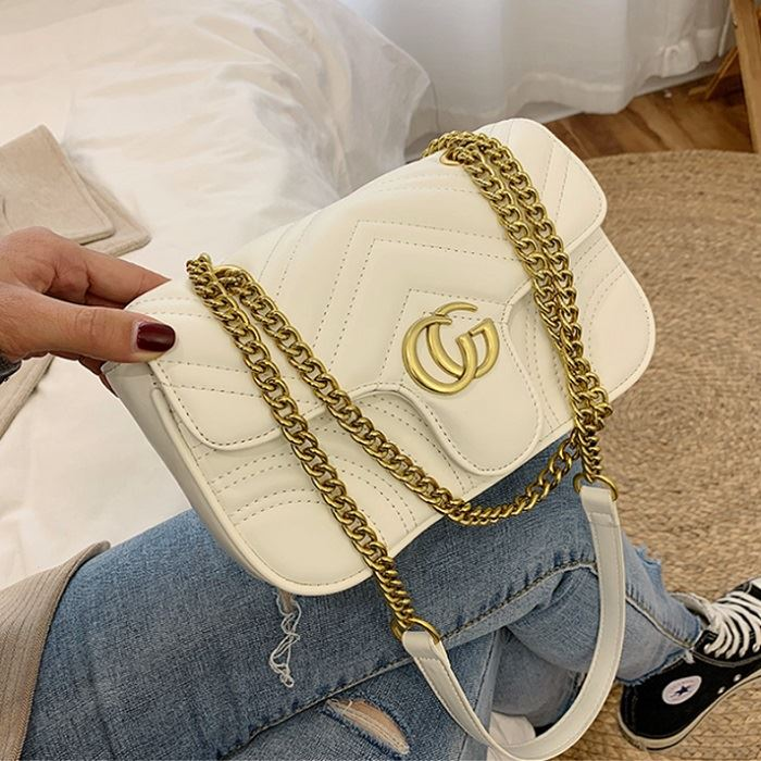 JT12541 IDR.165.000 MATERIAL PU SIZE L25XH14XW9CM WEIGHT 450GR COLOR BEIGE