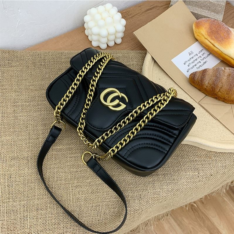 JT12541 IDR.165.000 MATERIAL PU SIZE L25XH14XW9CM WEIGHT 450GR COLOR BLACK