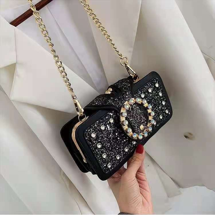 JT14220 IDR.190.000 MATERIAL PU SIZE L18.5XH9XW7CM WEIGHT 680GR COLOR BLACK