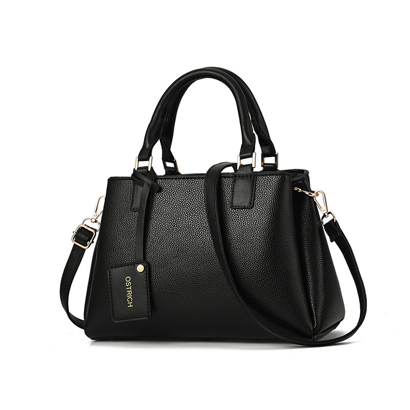 JT1620 IDR.188.000 MATERIAL PU SIZE L30XH19XW13CM WEIGHT 700GR COLOR BLACK