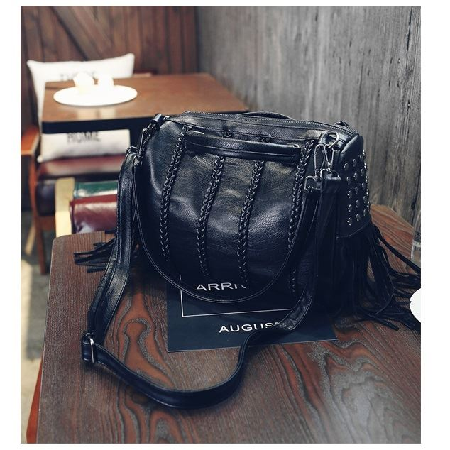 JT1638 IDR.184.000 MATERIAL PU SIZE L30XH25XW10CM WEIGHT 800GR COLOR BLACK