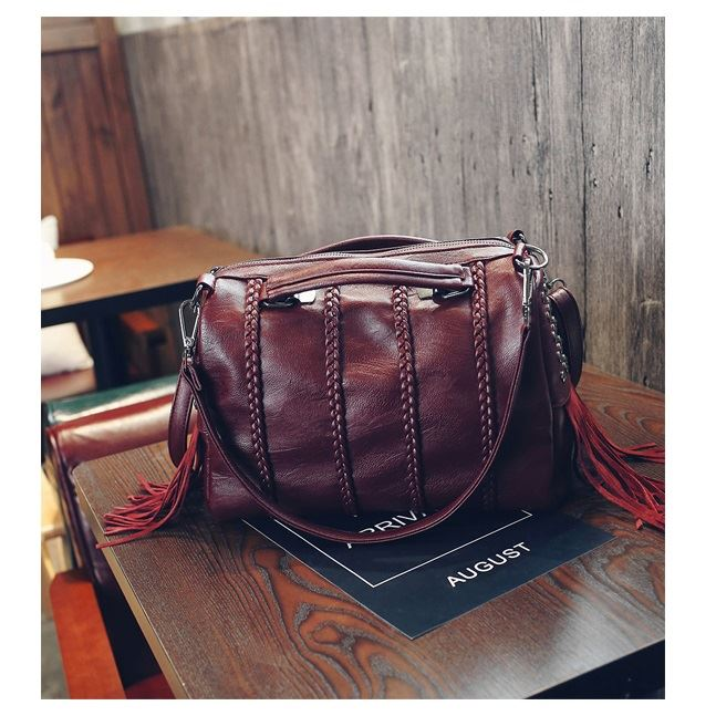 JT1638 IDR.184.000 MATERIAL PU SIZE L30XH25XW10CM WEIGHT 800GR COLOR WINE