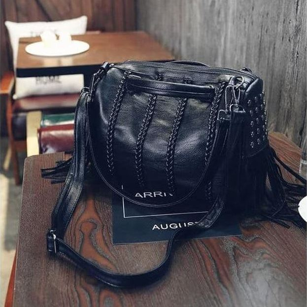 JT1638 IDR.192.000 MATERIAL PU SIZE L30XH25XW10CM WEIGHT 770GR COLOR BLACK