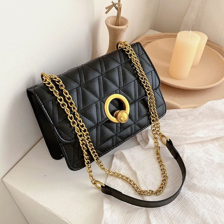 JT17580 IDR.138.000 MATERIAL PU SIZE L22XH14XW8CM WEIGHT 350GR COLOR BLACK