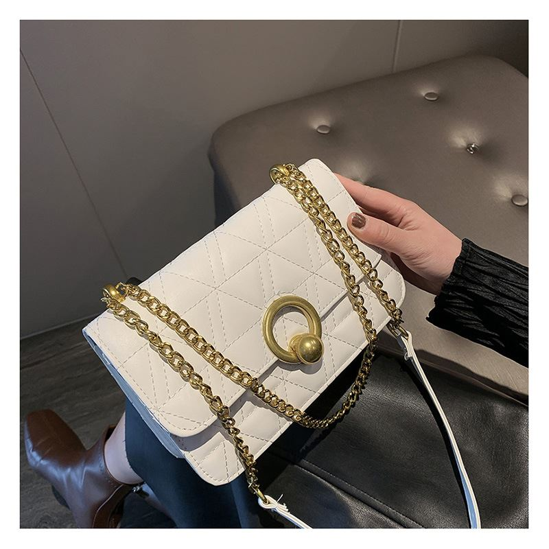 JT17580 IDR.138.000 MATERIAL PU SIZE L22XH14XW8CM WEIGHT 350GR COLOR WHITE