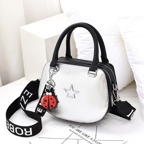JT1787 IDR.168.000 MATERIAL PU SIZE L23XH17XW9CM WEIGHT 600GR COLOR SILVER