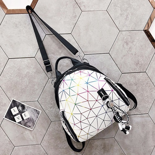 JT1800 IDR.155.000 MATERIAL PU SIZE L23XH18XW6CM WEIGHT 600GR COLOR WHITE