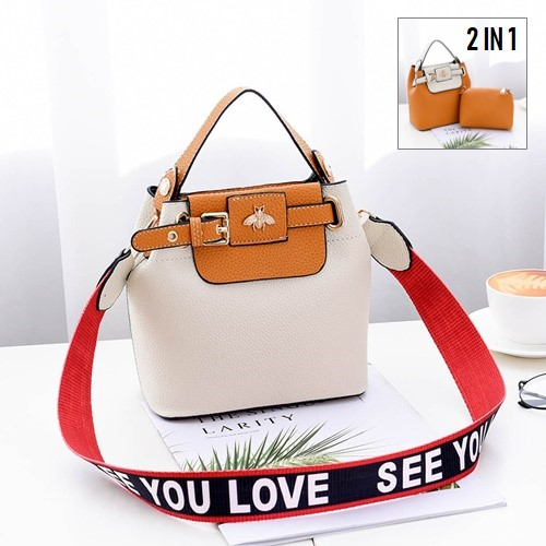 JT18030 IDR.165.000 MATERIAL PU SIZE L18.5XH18.5X10.5CM WEIGHT 600GR COLOR WHITE