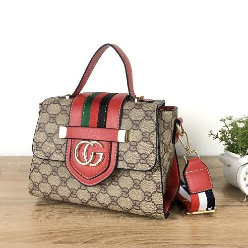 JT1805 IDR.178.000 MATERIAL PU SIZE L22XH16XW11CM WEIGHT 700GR COLOR RED