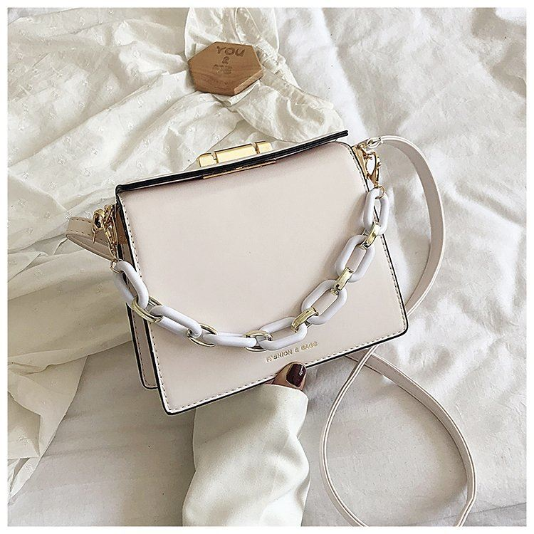 JT18140 IDR.167.000 MATERIAL PU SIZE L21XH17XW9CM WEIGHT 550GR COLOR BEIGE