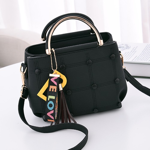 JT1815 IDR.143.000 MATERIAL PU SIZE L21XH18XW11CM WEIGHT 600GR COLOR BLACK