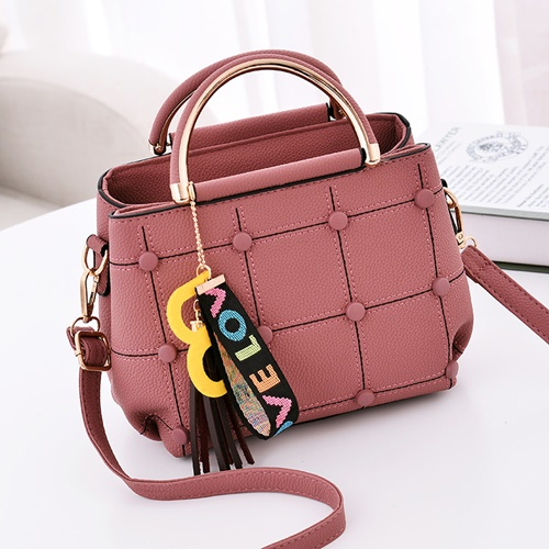 JT1815 IDR.143.000 MATERIAL PU SIZE L21XH18XW11CM WEIGHT 600GR COLOR DARKPINK