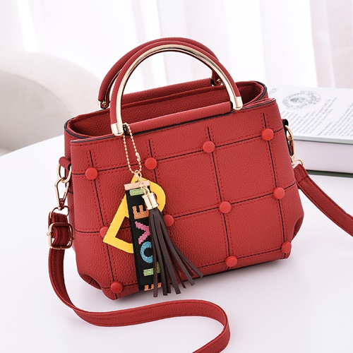 JT1815 IDR.143.000 MATERIAL PU SIZE L21XH18XW11CM WEIGHT 600GR COLOR RED