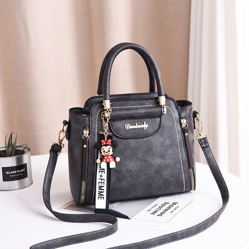 JT1816 IDR.170.000 MATERIAL PU SIZE L24XH20XW10CM WEIGHT 750GR COLOR DARKGRAY
