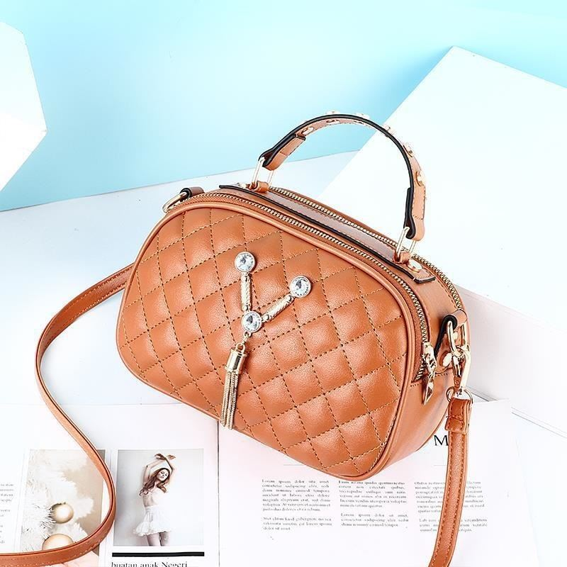 JT1868 IDR.152.000 MATERIAL PU SIZE L22.5XH15XW10CM WEIGHT 400GR COLOR BROWN