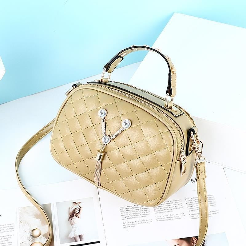 JT1868 IDR.152.000 MATERIAL PU SIZE L22.5XH15XW10CM WEIGHT 400GR COLOR GREEN