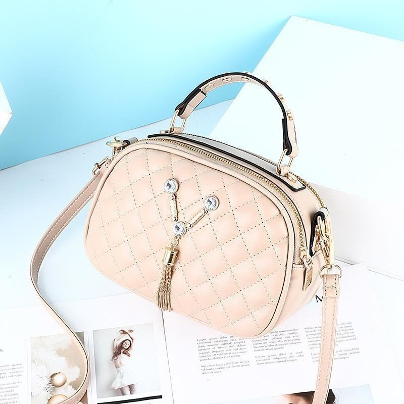 JT1868 IDR.152.000 MATERIAL PU SIZE L22.5XH15XW10CM WEIGHT 400GR COLOR KHAKI