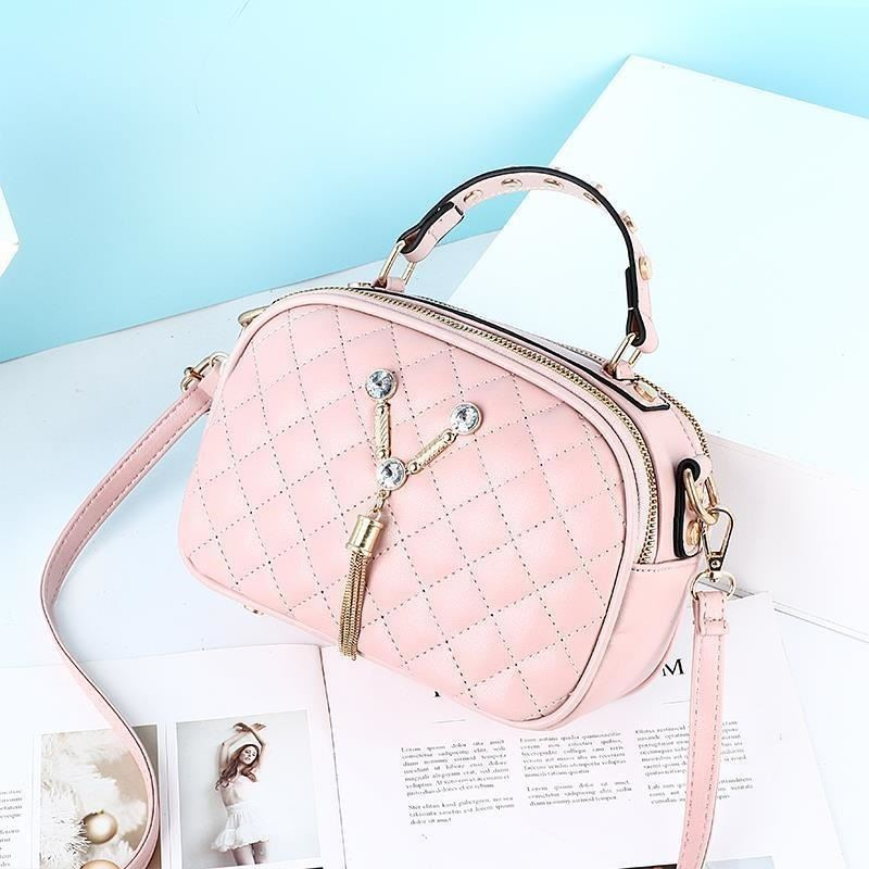 JT1868 IDR.152.000 MATERIAL PU SIZE L22.5XH15XW10CM WEIGHT 400GR COLOR PINK