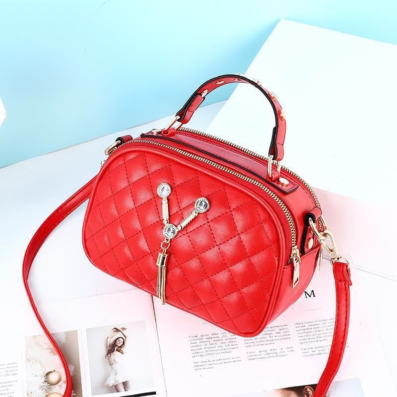 JT1868 IDR.152.000 MATERIAL PU SIZE L22.5XH15XW10CM WEIGHT 400GR COLOR RED